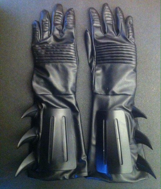 batman returns belt, glove with fins and rubber mask and logo