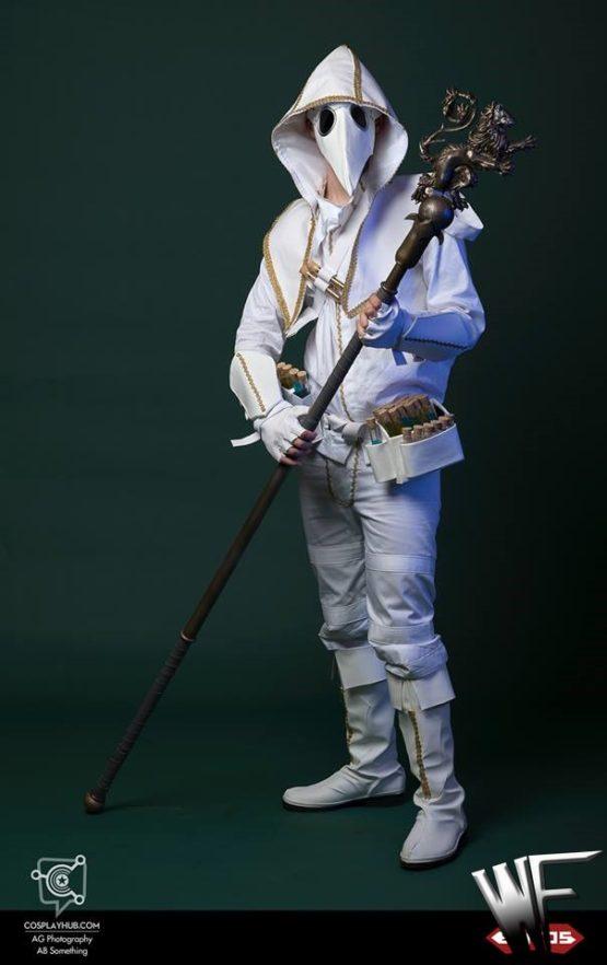 plague doctor cosplay venice